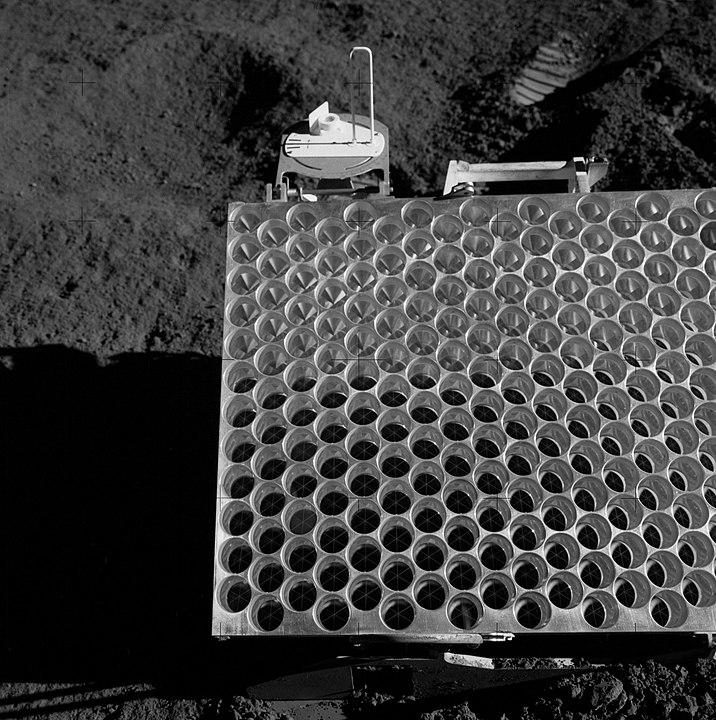 De speciale spiegel (oftewel retroreflector) op de maan gezet door de bemanning van Apollo 15